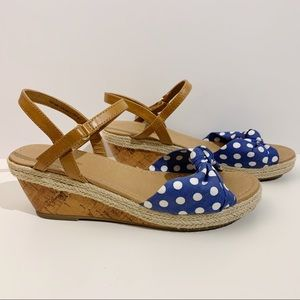 American Eagle Wedges Polka Dot Bow Tie Size 4.5